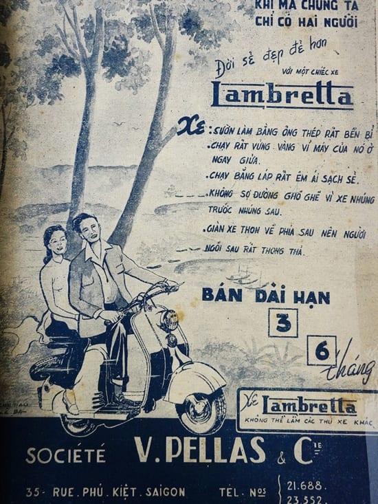 Loại xe thịnh hành của người Sài Gòn giữa thế kỷ trước. Mẫu quảng cáo nhấn vào hình ảnh tình yêu đôi lứa cũng như những tiện ích mang lại.