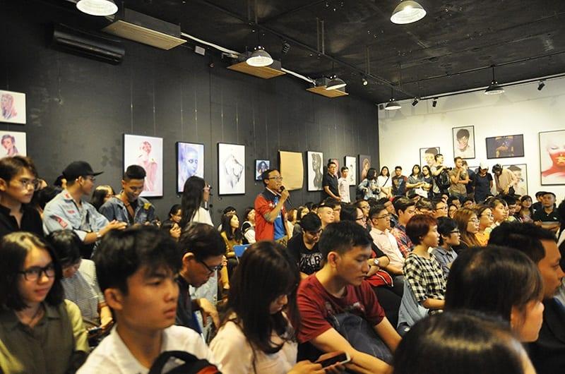 Rất đông khán giả đến tham gia chương trình